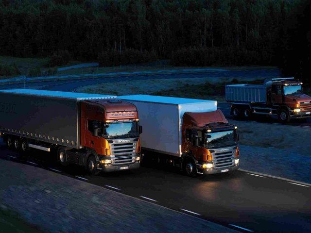 https://www.aerodarat.com/wp-content/uploads/2015/09/Three-orange-Scania-trucks-640x480.jpg