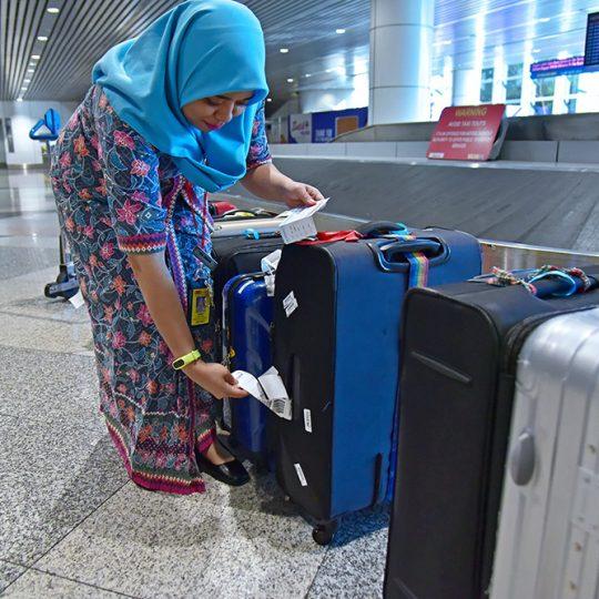 https://www.aerodarat.com/wp-content/uploads/2018/08/Mishandled-Luggage-Services-01-540x540.jpg